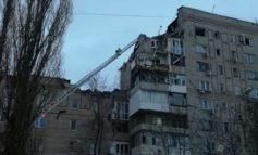 В МЧС сообщили об угрозе дальнейшего обрушения конструкций дома в Шахтах