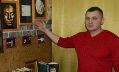 Житель Нерюнгри открыл в своей квартире музей Высоцкого