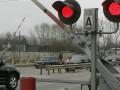 Грузовой поезд столкнулся с микроавтобусом на переезде в Алтайском крае