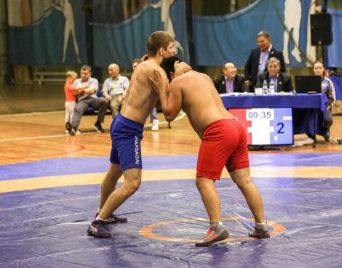 Спортсмены по борьбе хапсагай бросили вызов Южной Якутии