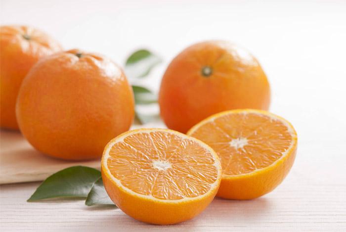 Чем полезен апельсин после удаления катаракты?