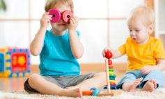 Как развлечь малыша? Чем занять детей дома и на улице?