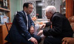 Глава Якутии встретился с ветераном Великой Отечественной войны Валерием Спридоновым