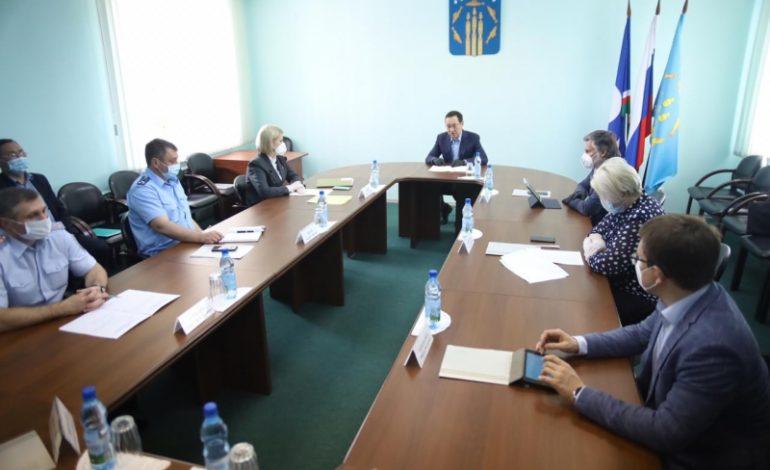 Глава Якутии провёл в Нерюнгри заседание оперативного штаба по борьбе с коронавирусом