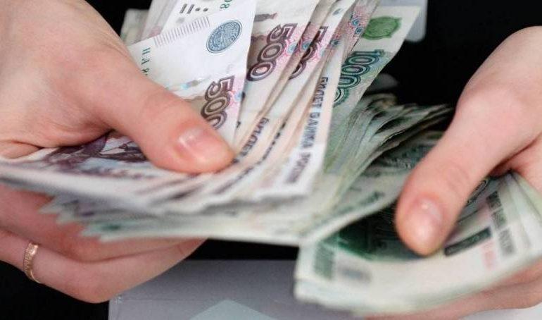 В Нерюнгри кассир присваивала деньги от продажи авиабилетов. Ее отправили на обязательные работы