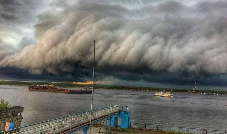 16 июля в нескольких районах Якутии прогнозируются ливни и грозы, возможен град