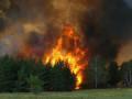 Верховой пожар повредил линии электропередачи у села Соболох Момского района Якутии