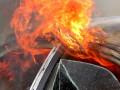 Неизвестные подожгли автомобиль на ул. Автодорожная в Якутске