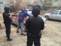 Работника службы доставки в Якутске задержали по подозрению в краже