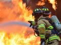 Человек погиб при пожаре в здании у горы Чочур–Муран в Якутске