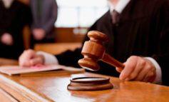 Жительницу Нерюнгри, напавшую на судебного пристава, приговорили к реальному лишению свободы