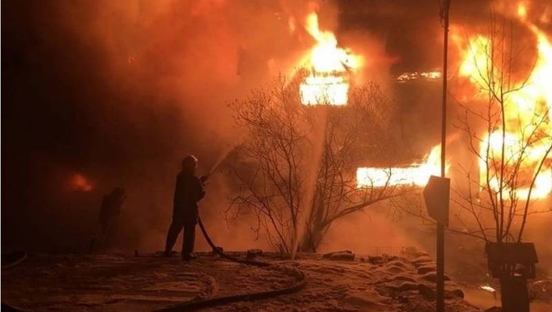 В Нерюнгринском районе на территории ГОК Ингалинский произошел пожар в общежитии подрядчиков