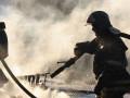 Двоих человек спасли при пожаре на заводе в Нижнем Бестяхе в Якутии
